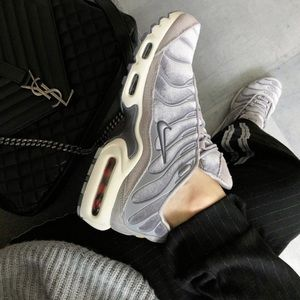 Nike Air Max Plus LX  velvet sneakers size 7.5